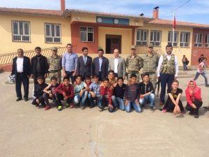 Dargeçit Kaymakamı Köy Ve Okulları Ziyaret Etti