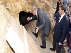Bursa'da 700 Yıl Sonra Ortaya Çıkan Bizans Tünelleri Restore Ediliyor