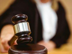 """Kadın """"Lezbiyenim"""" Dedi, Mahkeme Boşanma Talebini Reddetti"""