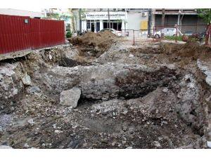 Cami Tuvaleti İnşaatında Tarihi Duvar Bulundu