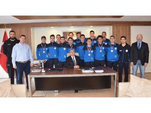 Çbsk`nın Yıldız Erkek Takımı Anadolu Şampiyonası`nda