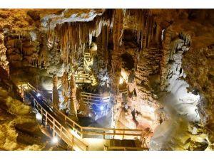 Karaca Mağarasını İlk 4 Günde 700 Kişi Ziyaret Etti