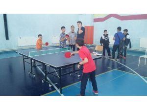 Hisarcık'ta Ortaokullar Arası Masa Tenisi Turnuvası Sona Erdi