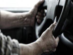 Aldatılan Koca, Arabasına Bağladığı Karısıyla Trafiğe Çıktı