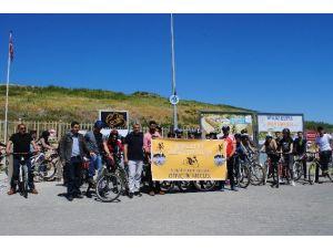 Gençlerden Bisikletle Tarihe Yolculuk