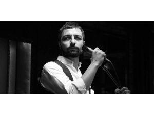 Mehmet Erdem İzmirlileri Coşturacak