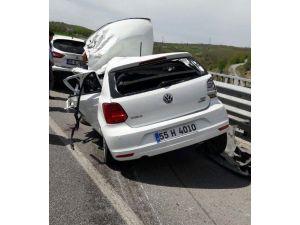 Çöp kamyonuna çarpan aracın sürücüsü ağır yaralandı