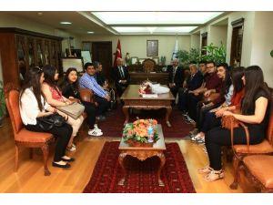Genç Yeşilay Topluluğu'dan Rektör Prof. Dr. Gönüllü'ye Ziyaret