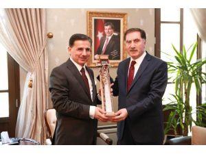 Cumhurbaşkanı Baş Danışmanı Malkoç, Vali Topaca'yı ziyaret etti