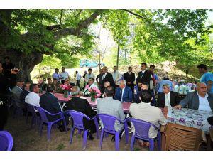 Vali Kerem Al'dan köy ziyareti