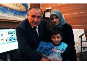 Otizmli Çocuklar Başkan Yılmaz'ı Ziyaret Etti