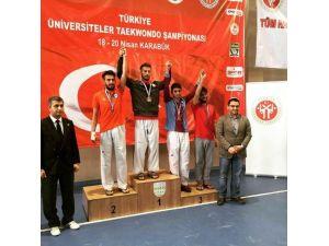 Üniversiteler Arası Tekvando Şampiyonası'nda Derece Yaptılar