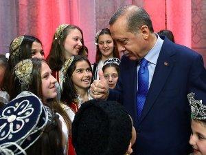 Cumhurbaşkanı Erdoğan dünya çocuklarıyla buluştu