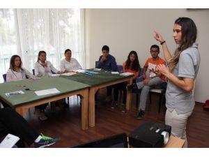 Adana'da Tenis Kule Hakemliği Tamamlandı