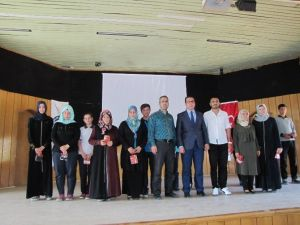 'Okumak Hayattır' Konulu Kitap Okuma Yarışması Ödül Töreni