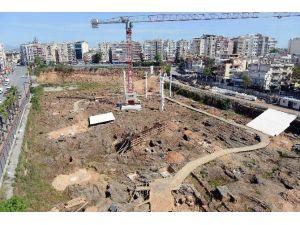 Nekropol Çarşısında Tarihi Mezarlara Özel Koruma