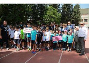 2 Bin 600 Minik Yürek Atletizm İçin Çarptı