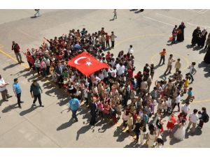 Minik Ellerden Mehmetçik'e Mektup