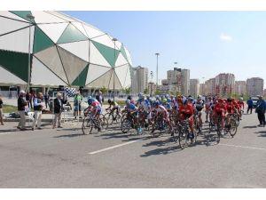 Konya'da Dünya Çocukları Yarışıyor