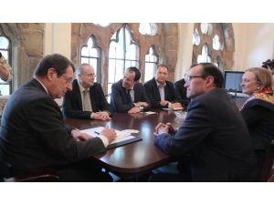 Rum Sözcü: Kıbrıs'ta çözüm, IMF ve Dünya Bankası'nın da hedefi