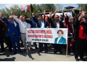 Meral Akşener: Vallahi belinde silahı olanlar beni ezemedi