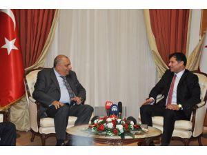 Tuğrul Türkeş: Kıbrıs müzakerelerinden özverili bir çalışma yürütülüyor