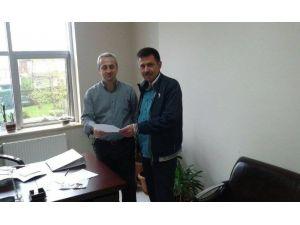 Akçakoca'da Belediye Meclis Üyesi İstifa Etti
