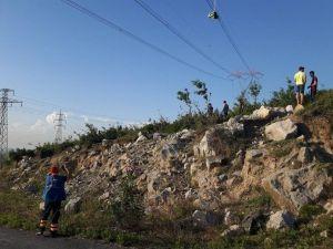 Paraşütçü Yüksek Gerilim Hattında Mahsur Kaldı