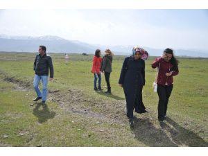 Doğacı Gençlerden Kaçak Avcılara Tepki