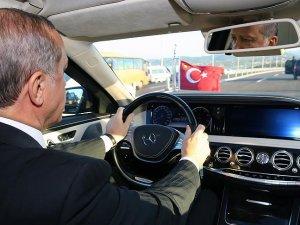 Erdoğan ve Davutoğlu Osman Gazi Köprüsü'nde direksiyon başına geçti