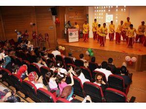 Dünya Çocuklarından KOÜ'de Yatan Çocuklara Sürpriz Eğlende