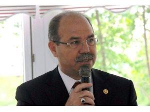 """AK Parti'li Durmuşoğlu: """"Çocuklarımızla Aramıza Sanal Duvarlar Örmeyelim"""""""