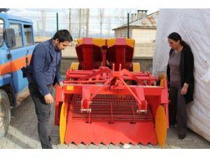 Başkale Belediyesi Yeni Makineler Aldı