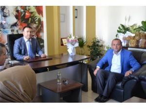 AK Parti İlçe Yönetimi Başhekimi Ziyaret Etti