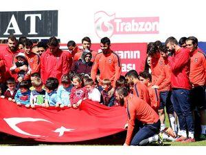 Trabzonspor'da, Fenerbahçe maçının hazırlıkları sürüyor