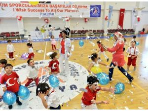 Muratpaşa'nın Minikler 23 Nisan'ı Kutladı
