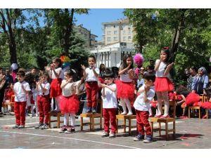 Diyarbakır'da Minikler 23 Nisan'ı Kutladı