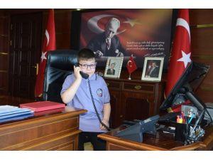Çocuk Vali Emniyet Müdüründen Akülü Araba İstedi