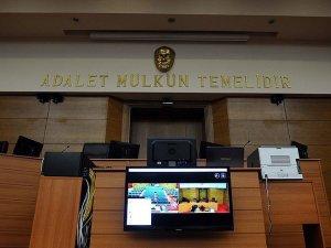 Dündar ve Gül hakkındaki 'casusluk' davası 6 Mayıs'a ertelendi