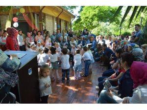 Yunusemreli Minikler Bayramlarını Kutladı