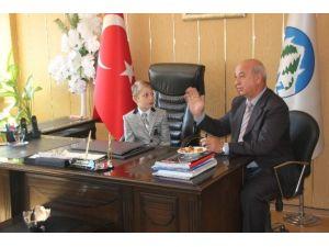Başkan Arif Çayır Koltuğu Öğrencilere Bıraktı