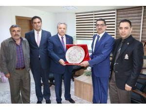 Vali Kahraman'dan Güven Tazeleyen İl Genel Meclis Başkanına Ziyaret