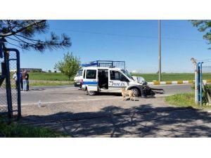 Polis Aracının Çarptığı Kamyonetin Plakası Sahte Çıktı