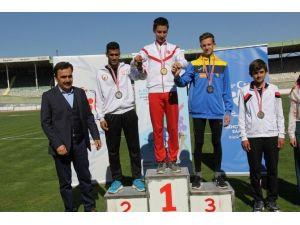 Rumi Çocuk Oyunlarında Madalyalar Dağıtıldı