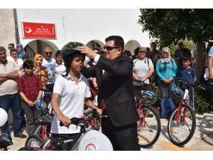 Bodrum'da Başarılı Öğrencilere Bisiklet