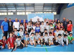 Futsal Şampiyonlarının Kupa Sevinci