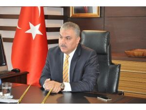 Uşak Valisi Ahmet Okur'un 23 Nisan Mesajı