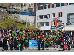 Adilcevaz'da 23 Nisan Coşkuyla Kutlandı