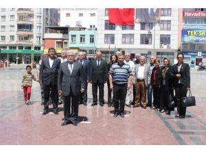 Kilis'te Add Ve CHP Alternatif Çelenk Sundu
