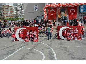Sinop'ta 23 Nisan Coşkulu Geçti